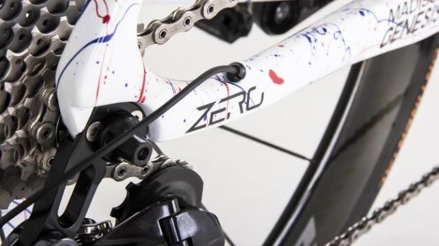 A Genesis Zero SL com pintura especial de Connor Swift (4)