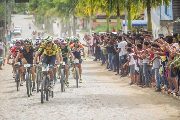 Henrique Avancini fará dupla com o alemão Manuel Fumic na disputa da Brasil Ride 2018 (2).jpg