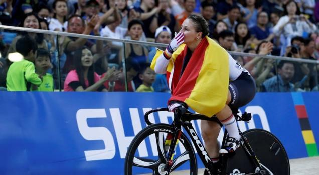 A campeã olímpica Kristina Vogel fica paraplégica depois de acidente pedalando a 60 kmh4