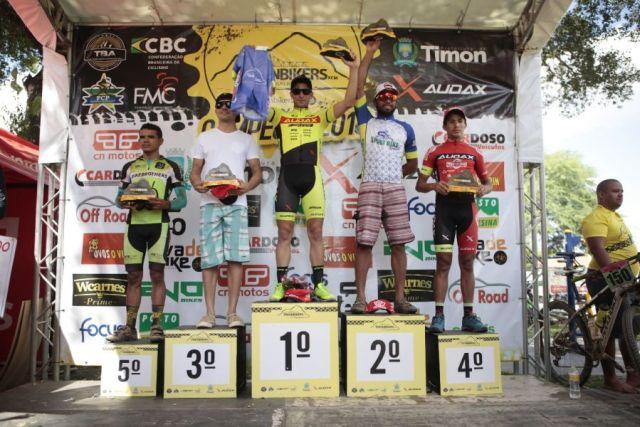 Daniel Zóia foi campeão na Elite Masculina e Édio chegou em 4 colocado. Foto Azimutefoto Moisés Saba