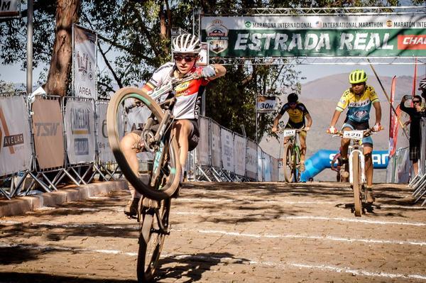 Giuliana Morgen vence a juvenil (Thiago Lemos  Divulgação).jpg