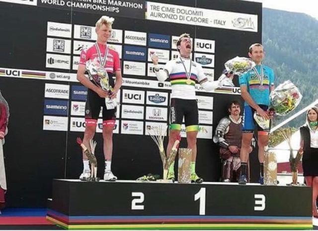 Henrique Avacini é campeão do mundo de MTB XCM (3)