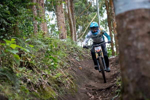 Queda atrapalha Lucas Borba em preparatório para o Pan de MTB Downhill na Colômbia