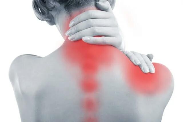 Sintomas de contratura muscular e como tratar uma contratura muscular em casa.jpg