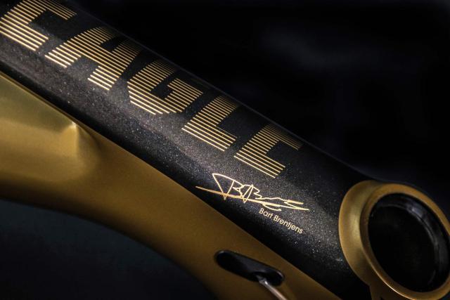 American Eagle lança a Atlanta 2.0 Gold LTD em homenagem a Bart Brentjens (9).jpg