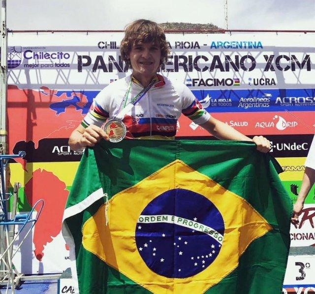 Bruno Lemes conquista título Pan-Americano de MTB Marathon na Argentina1.jpg
