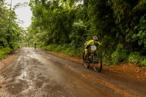 Bruno Paim cruzou a linha de chegada com 1h56 (Foto Fotop).jpg