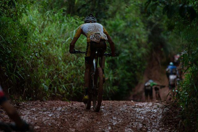 Muita lama durante a prova de Maratona (Foto Marcelo Rypln).jpg