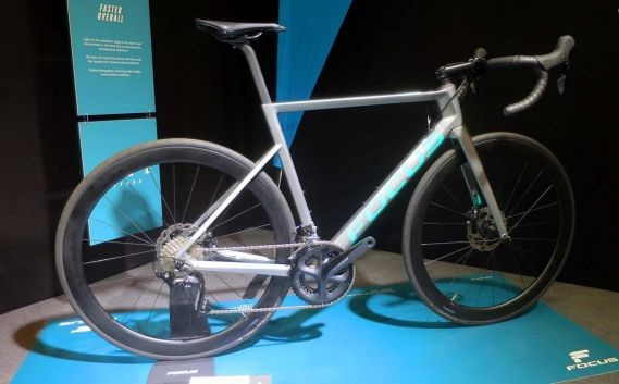 Focus Izalco Max - A bike aero com freios a disco mais leve do mercado (16)