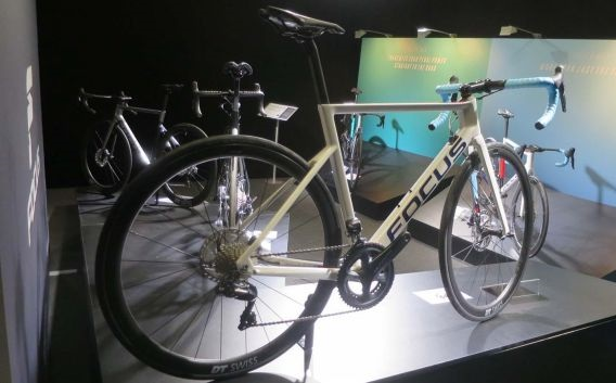 Focus Izalco Max - A bike aero com freios a disco mais leve do mercado (21)