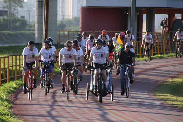 Passeio na ciclovia do Rio Pinheiros(JB Carvalho  Shimano).jpg