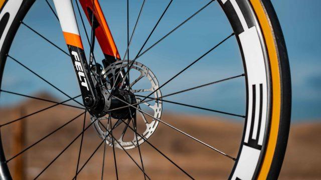A equipe Rally-UHC apresenta sua bicicleta Felt para 2019 (5)