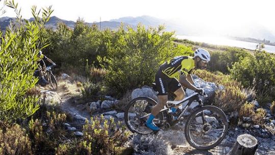 Cape Epic 2019: Fumic sofre 2 quedas na 5ª etapa, dupla segue na prova.