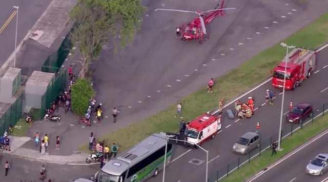 Ciclista morre após ser atropelado por ônibus na Barra da Tijuca, no Rio (2).jpg