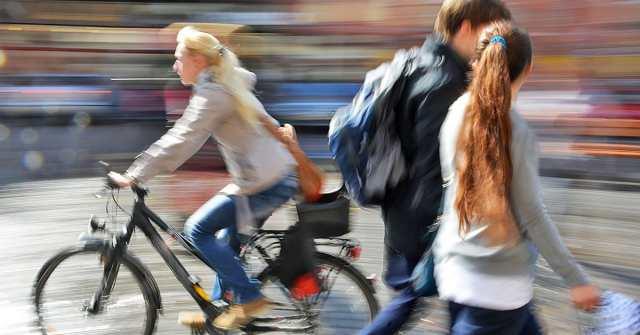 ciclistas e pedestres.jpg