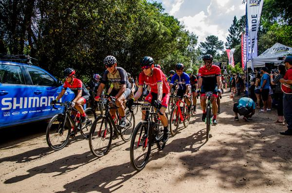 Atletas iniciam prova (Ney Evangelista - Brasil Ride)