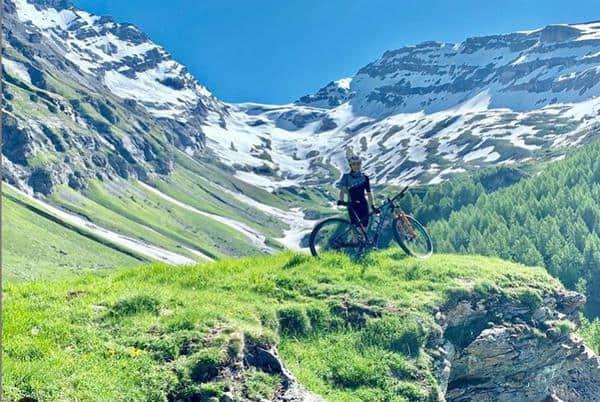 Giuliana Morgen participou da quinta etapa da Swiss Bike Cup na Suíça (Divulgação)