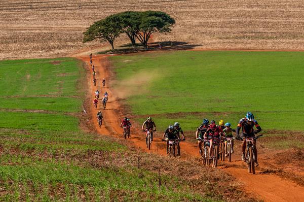 Sétima edição do Festival Brasil Ride reúne 4.000 atletas de seis países em Botucatu (1)