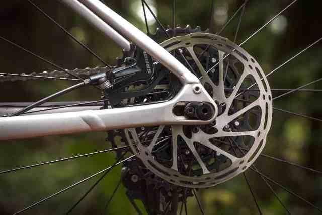 Specialized apresenta sua nova bike de trilha totalmente destemida e ainda mais acessível (6).jpg