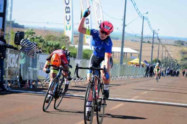 Ciclistas superam prova de resistência no Campeonato Brasileiro de Estrada Junior (3)