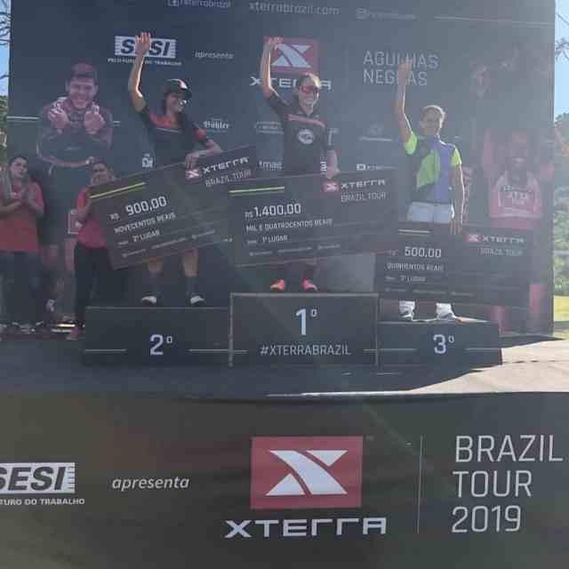 O pódio do MTB Cup Pro feminino teve Sofia Subtil no topo.jpg