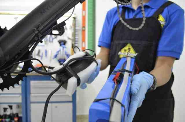 curso-de-montagem-e-manutencao-em-bikese-eletricas (4).jpg