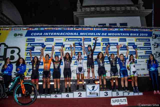 -jaqueline-mourao-podio-elite-feminino-campeoes-da-maratona-de-congonhas-2019
