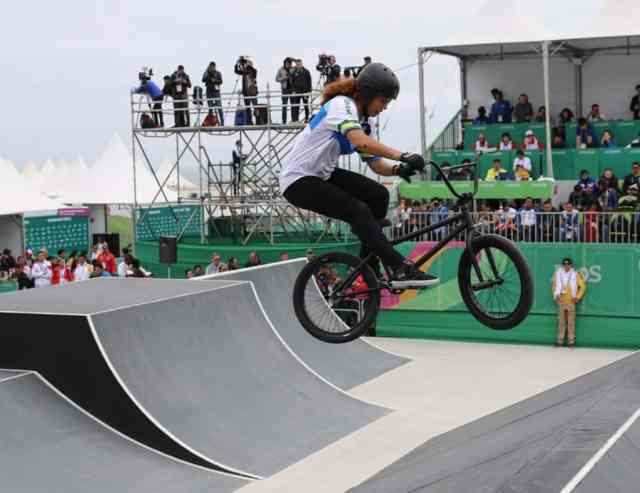 pan-americano-2019-derlayne-roque-no-bmx-freestyle-park