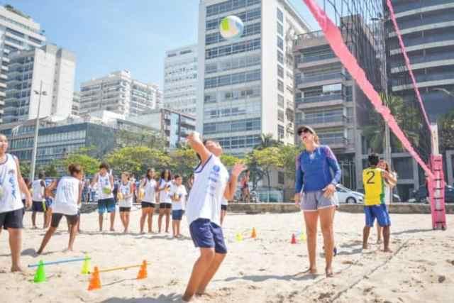 comemoracao-dos-12-anos-do-projeto-monike-azevedo-comecou-com-aula-exclusiva-com-campea-olimpica (2)