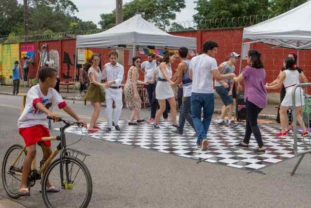 festival-bike-arte-gira-chama-populacao-para-atividades-que-estimulam-a-reflexao-da-vida-urbana (3).jpg