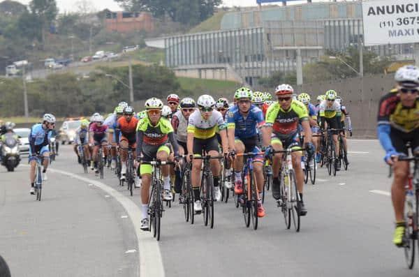 11º-circuito-montanhes-de-ciclismo-tera-200-ciclistas (1)