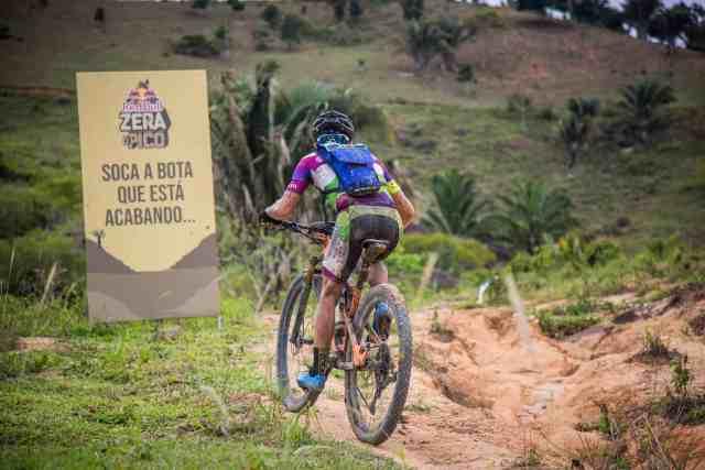 holandes-e-brasileira-se- tornam-rei-e-rainha-da-montanha-no-zera-o-pico-na-brasil-ride-2019 (1)