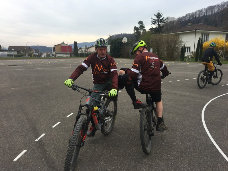 Montana Biker Kestenholz