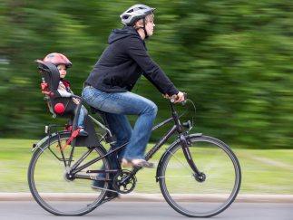 Fahrrad-Kindersitz - Model Released