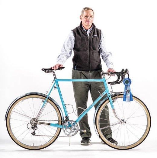 """Seria essa a Rando Bike perfeita? Com rodas 650b e visual clássico e clean essa bike pode percorrer tipos variados de estradas. """"Randonneur bikes were gravel bikes before gravel bikes were cool."""" Uma Gravel antes da Gravel existir. : )"""