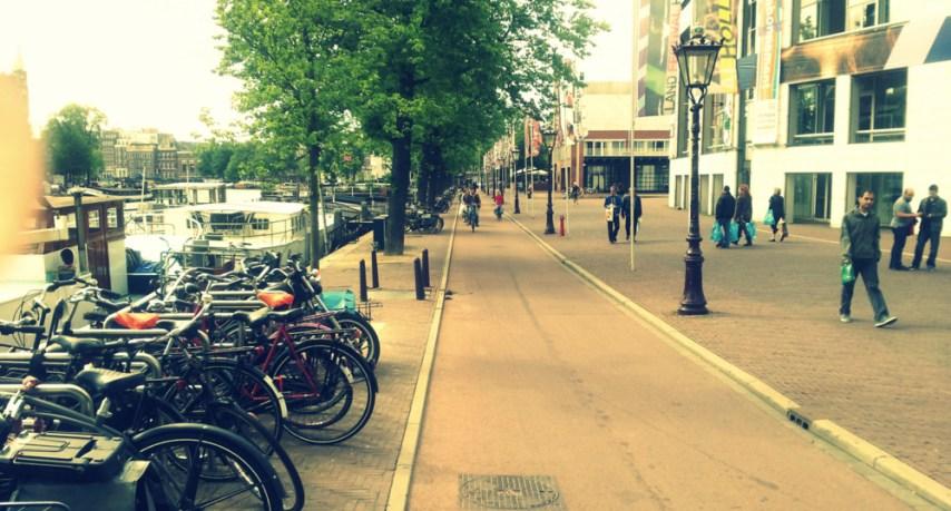 Amsterdam_Waterlooplein_Bikefast.jpg