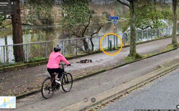 DfI cycle cpunter box visible to the side of the Stranmillis Embankment cycleway