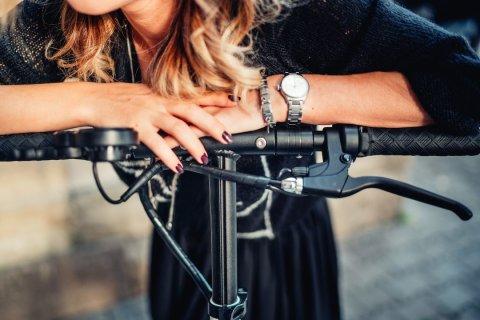 close-up-details-of-girl-using-electric-scooter-de-PQFG7BK-min