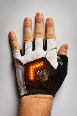 Zackees Turn Signal Gloves make cyclists more visible to drivers.