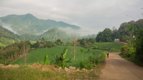 Nad thajskou vesnicí