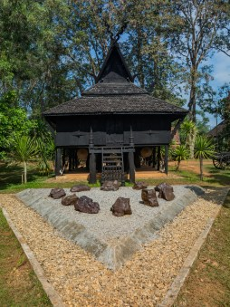 Black House in Black Temple
