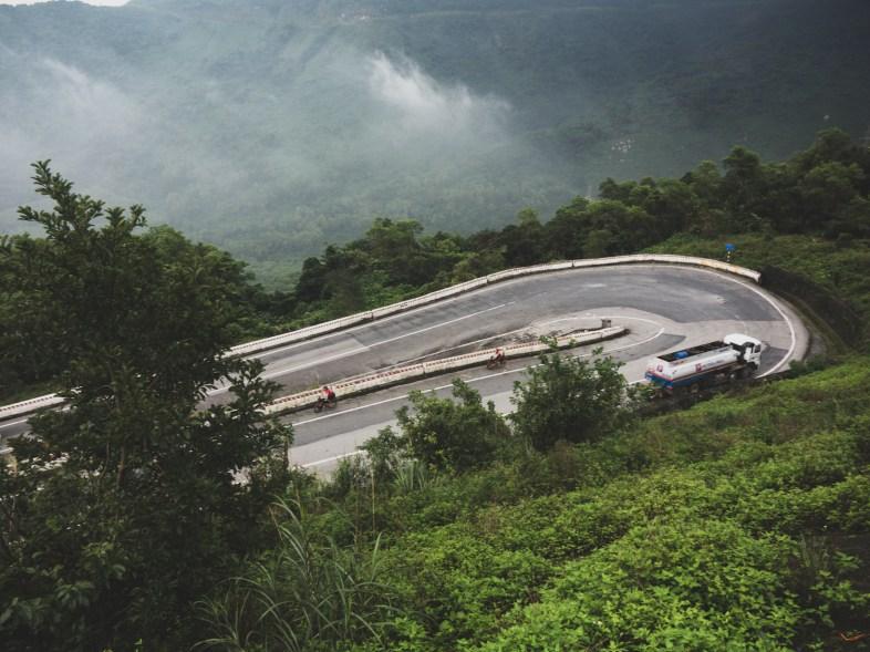 Serpentina v Hai Van Passu