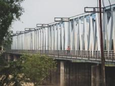 Daška na mostě na cestě do My Son