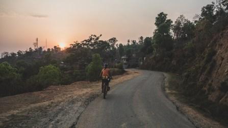 Příjezd při západu slunce, Gorkha