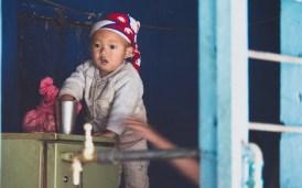 Nepálské dítko. Beni, Nepál