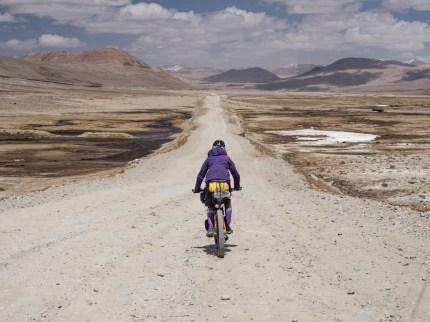 Parádní sjezd ze sedla Koitezek. Pamír, Tádžikistán