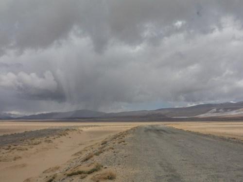 Špatné znamení. Jezero Karakul, Tádžikistán