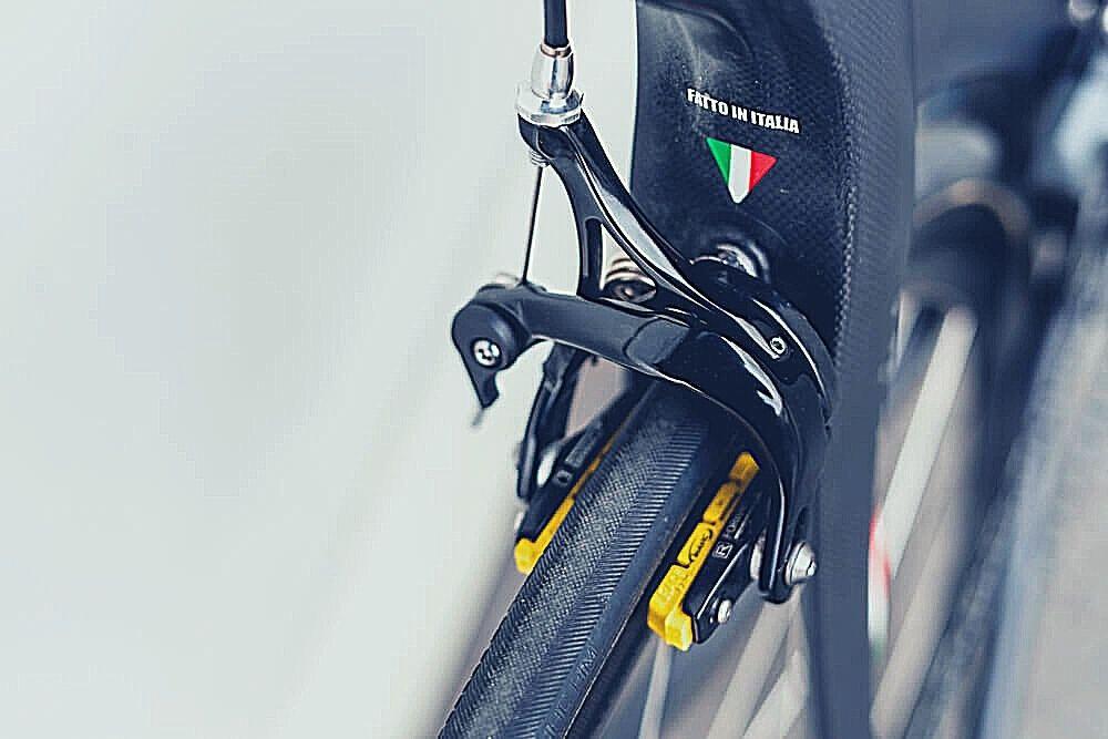 Road Bike Caliper brakes with pads