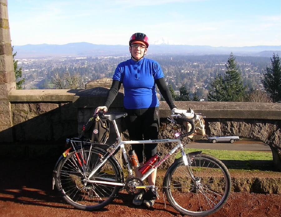 Female cyclist at the top of Rocky Butte, Portland, Oregon, USA - Flickr image