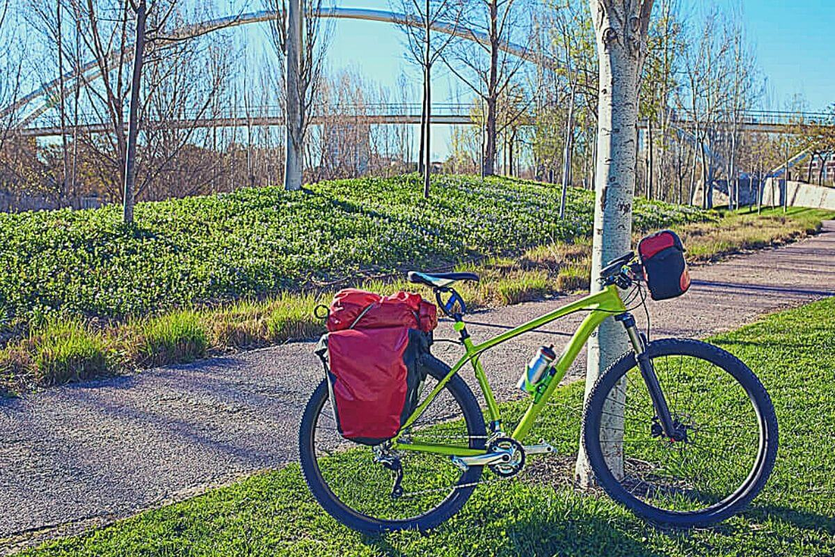 Bike with panniers attached to it in a city